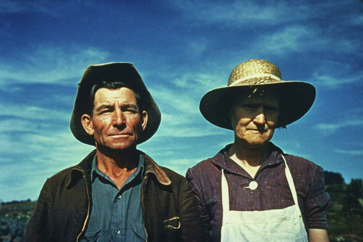 1940: Jim Norris and his wife in Pie Town, New Mexico, a community formed by migrant farmers from the dust bowl in Texas and Oklahoma.