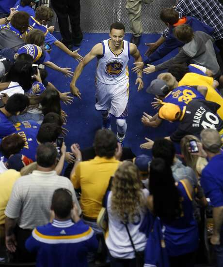 Golden State Warriors' Stephen Curry leaves the court after 117-105 win over Philadelphia 76ers during NBA game at Oracle Arena in Oakland, Calif., on Sunday, March 27, 2016. Photo: Scott Strazzante, The Chronicle