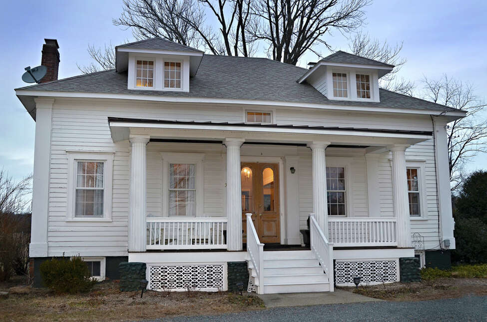 House of the Week: 3093 Upper Main St., Kinderhook | Realtor: Michael Castallano of Gilcrest Properties | Discuss: Talk about this house
