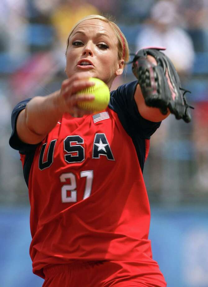 Jennie Finch pitches against Chinese Taipei during their softball game at the Beijing 2008 Olympic Games in Beijing, China. Photo: Al Bello / Getty Images / 2008 Getty Images