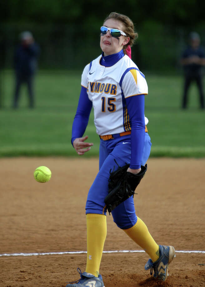 Softball action between Oxford and Seymour in Seymour, Conn. on Wednesday May 13, 2015. Oxford beat Seymour 1-0 after fourteen innings. Seymour pitcher Raeanne Geffert. Photo: Christian Abraham / Christian Abraham / Connecticut Post