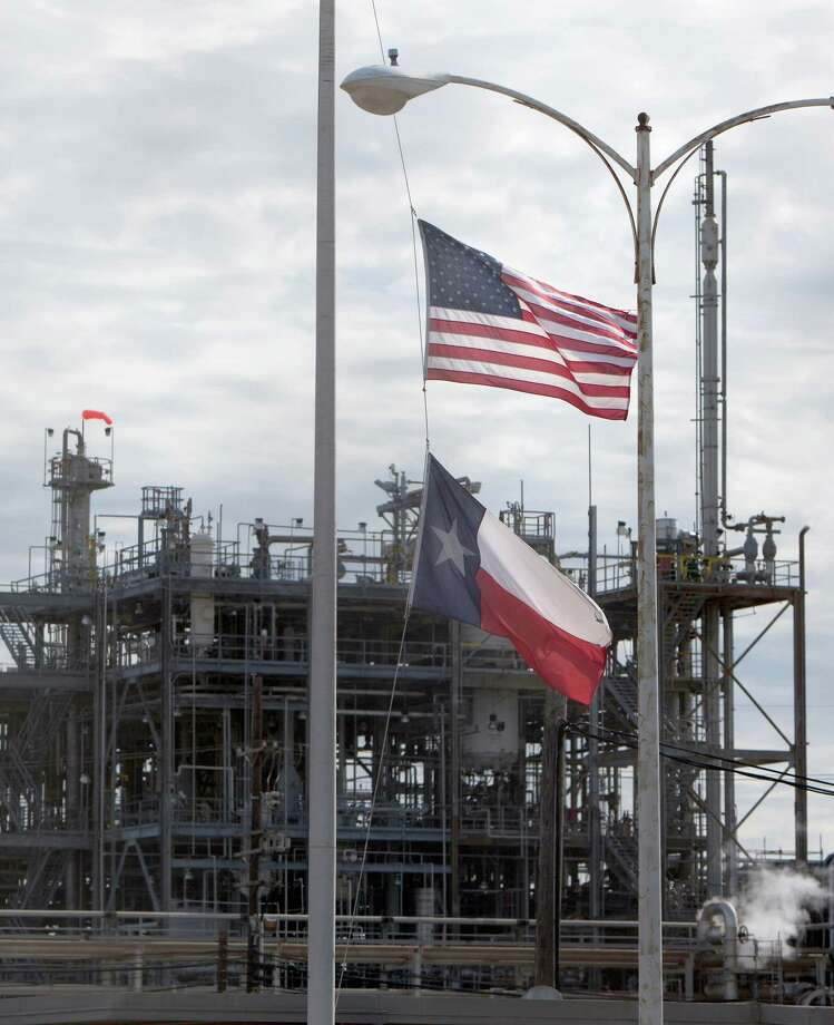 Dupont to close la porte plant where 4 died houston for Houston la porte