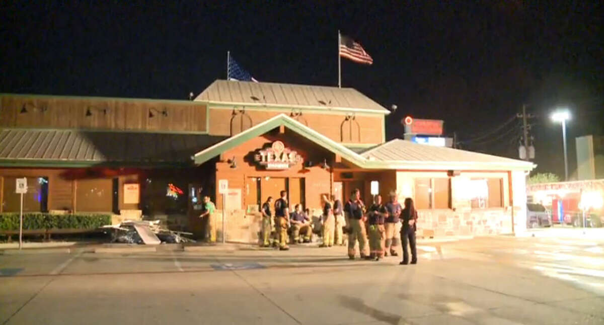 Fire damaged a popular restaurant late Thursday night along Interstate 10 in west Harris County.