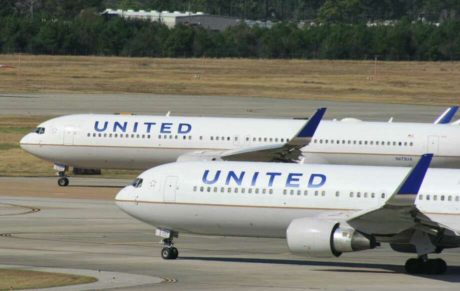 Two United Airlines Boeing 767 airliners at Houston's Bush Intercontinental Airport in January 2016. Photo: Bill Montgomery