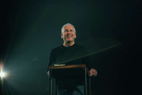 Louie Giglio, pastor of Passion City Church in Atlanta, lead the Passion team.