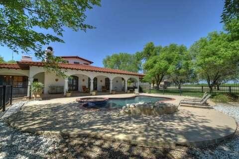 Mlb All Star Chipper Jones Sells South Texas Ranch San Antonio