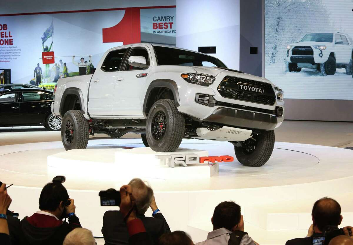 Toyota Motor Sales USA, Inc. Bill Fay introduced the 2017 Toyota Tacoma TRD Pro at the Chicago Auto Show.Click forward to see Toyota's latest unveiling in action.