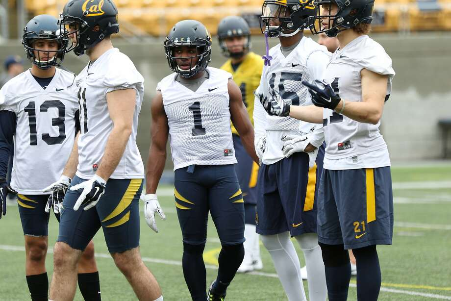 Melquise Stovall (center) lines up for a drill this month at Cal spring practice. Photo: GoldenBearSports.com