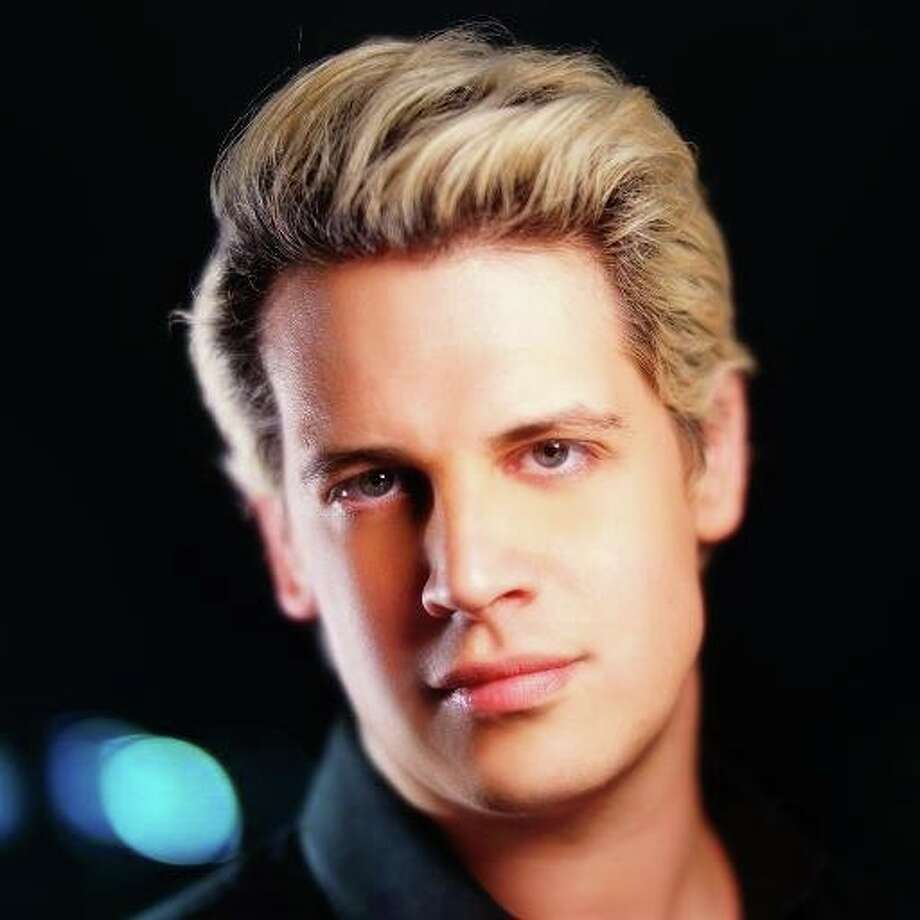 Milo Yiannopoulos, a right-wing journalist for Breitbart, was banned ...