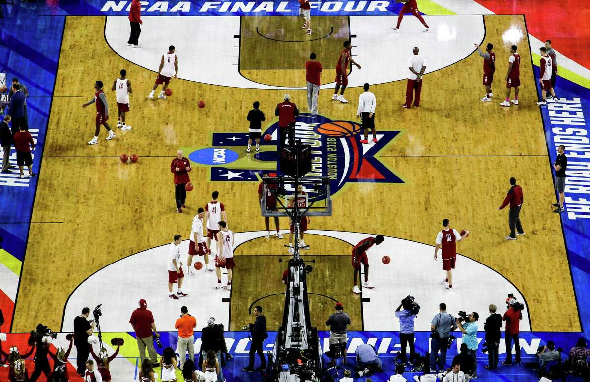 Oklahoma practices before the NCAA Final Four at NRG Stadium Friday, April 1, 2016 in Houston.