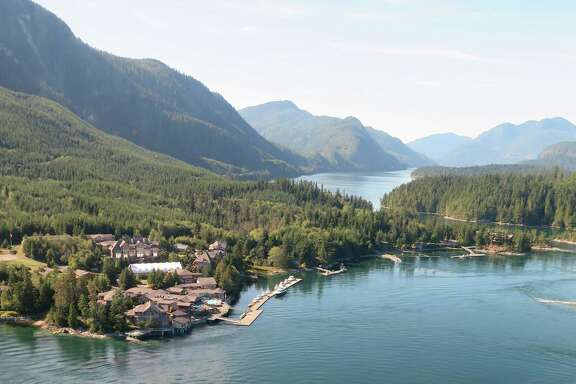 Sonora Resort is a luxury property in British Columbia with fabulous wildlife viewing opportunities.