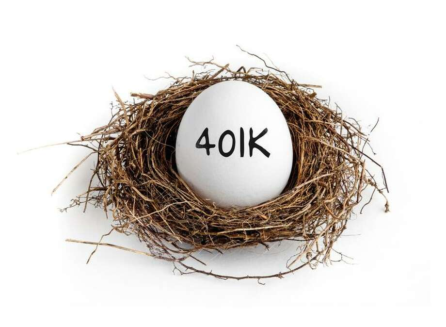 Fidelity found that workers are contributing more to their 401(k) accounts, and they're taking out fewer loans from them. The combination means that the average 401(k) balance was $92,500 at the end of 2016, up nearly 5 percent from a year earlier. Photo: Fotolia / jeff Metzger - Fotolia