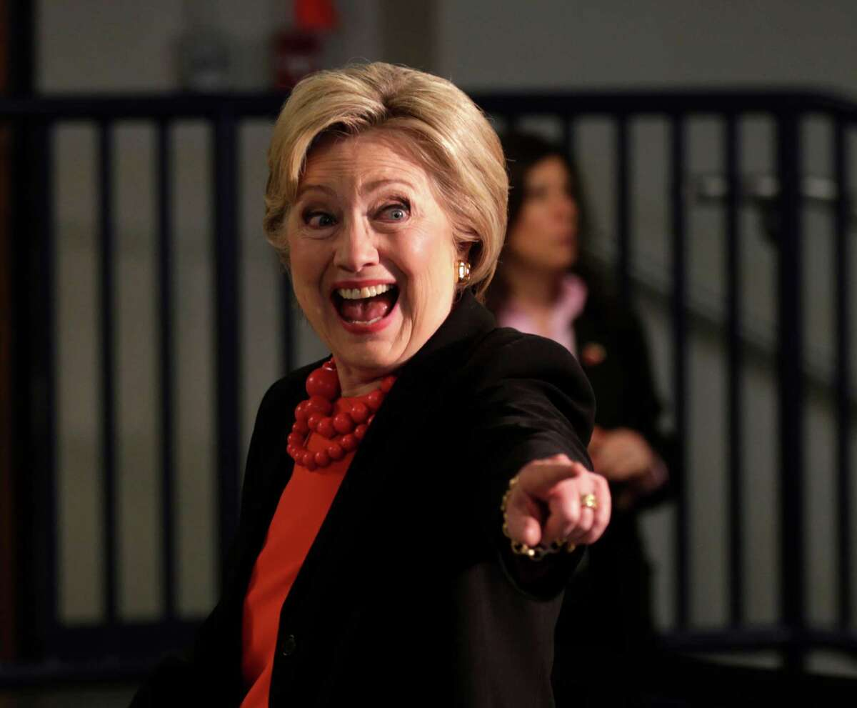 Democratic presidential candidate Hillary Clinton arrives for a roundtable discussion on manufacturing, Friday, April 1, 2016, in Syracuse, N.Y. (AP Photo/Mike Groll) ORG XMIT: NYMG102