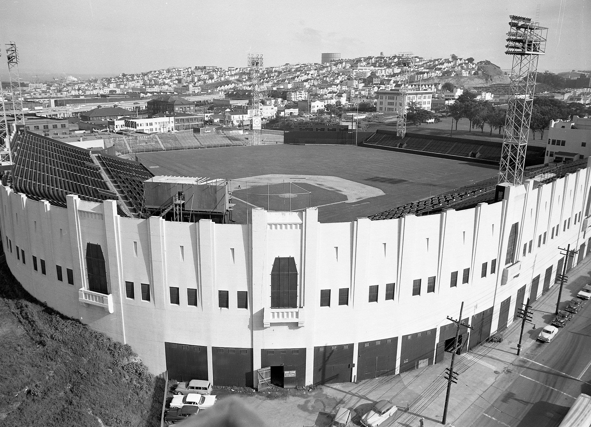 State warriors oracle arena and oakland alameda county coliseum - Seals Stadium In San Francisco In The 1940s The Mission District Stadium Hosted The Seals