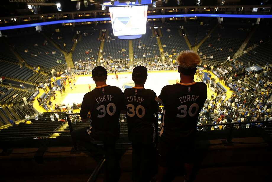 The Warriors go for the NBA single-season wins record on Wednesday at Oracle. Photo: Scott Strazzante, The Chronicle