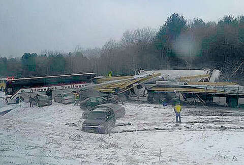 Blinding snow possible cause of I-88 pileup, closure - SFGate
