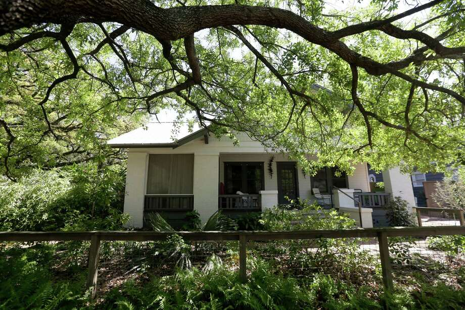 Cherryhurst House was slated to be a tear down, but Dallas McNamara bought it, revamped it and made it a home and a creative place for fellow artists. Photo: Melissa Phillip, Staff / © 2016 Houston Chronicle