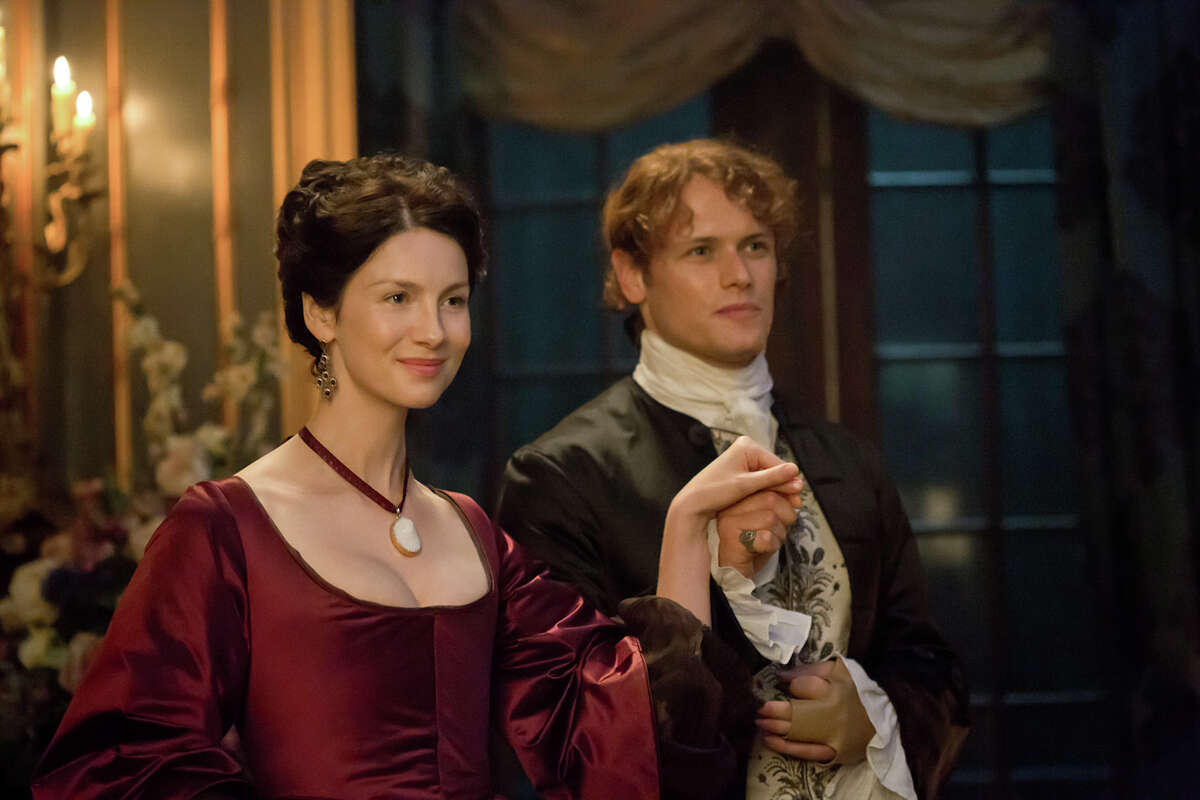 Claire (Catriona Balfe) and Jamie (Sam Heughan) concoct a scheme in Paris to prevent a doomed Scottish uprising, and the extinction of Scottish life as they know it.