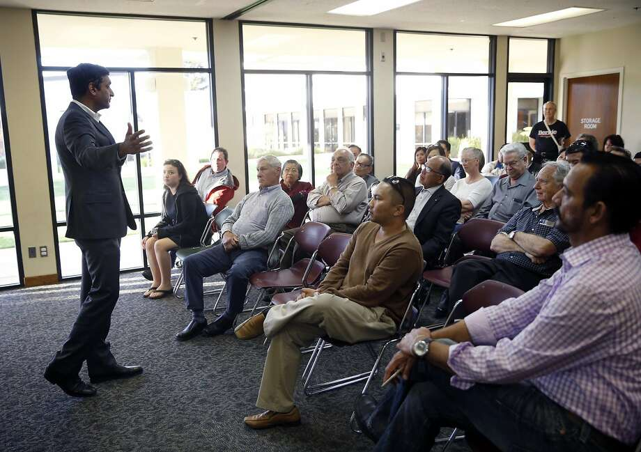 during town hall meeting for Ro Khanna in Milpitas, Calif., on Monday, April 4, 2016. Photo: Scott Strazzante, The Chronicle