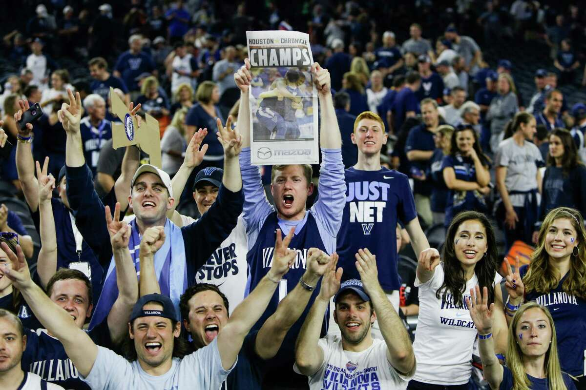 Villanova fans celebrate after winning the NCAA National Championship at NRG Stadium, Monday, April 4, 2016, in Houston.