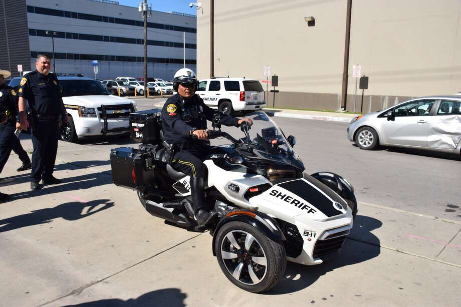 Bexar County Sheriff's deputies are testing out a new Can-Am Spyder. The vehicle could replace the current fleet of BCSO motorcycles. Photo: By Mark D. Wilson