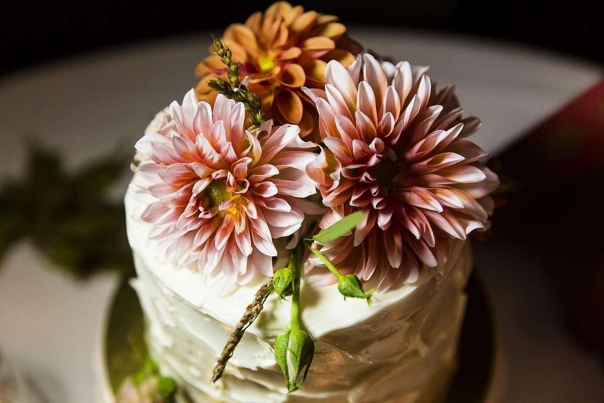 Berkeley couples love blooms with zero-waste wedding