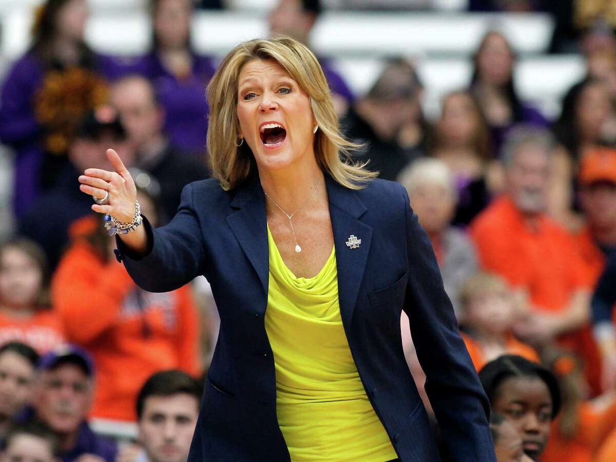 Albany head coach Katie Abrahamson-Henderson yells to her players in the first quarter of a second round women?'s college basketball game in the NCAA Tournament against Syracuse in Syracuse, N.Y., Sunday, March 20, 2016. (AP Photo/Nick Lisi) ORG XMIT: NYNL107