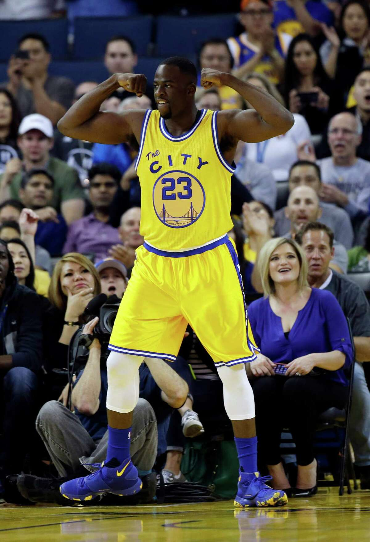 Golden State Warriors' Draymond Green (23) during an NBA basketball game against the Minnesota Timberwolves Tuesday, April 5, 2016, in Oakland, Calif.