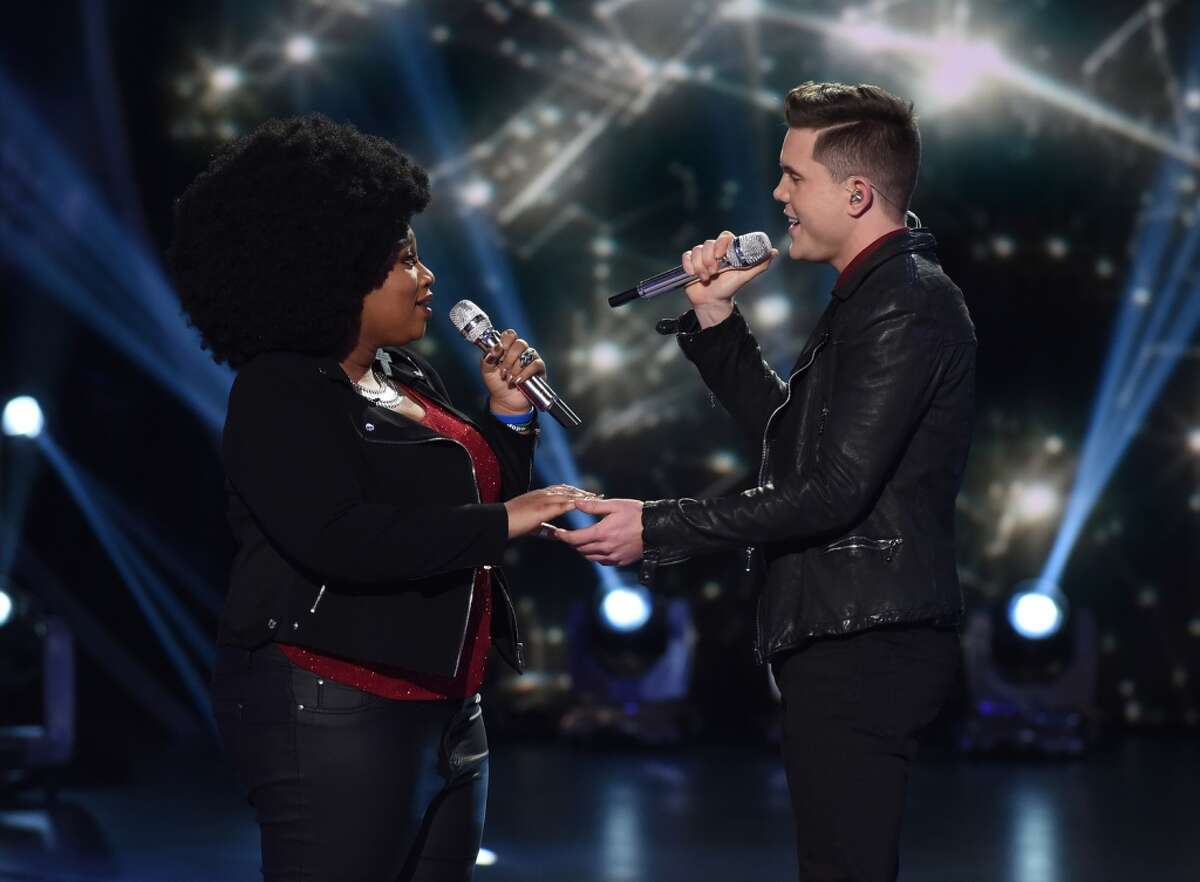 Contestants La'Porsha Renae and Trent Harmon perform on AMERICAN IDOL.