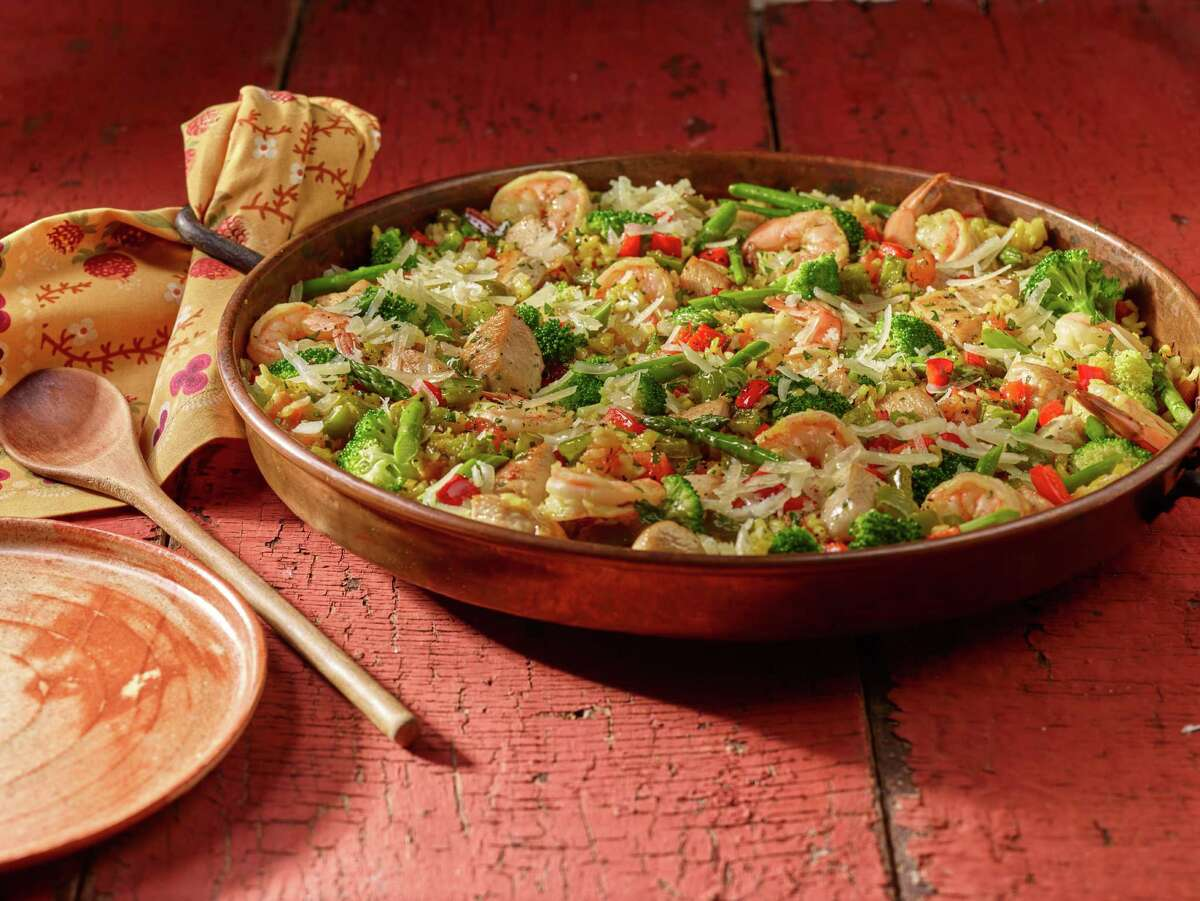 Kroger stores will be celebrating the flavors of Spain during a two-week event called Savor World Flavor: Taste of Spain. The promotion (running through April 19) will bring authentic Spanish foods to the supermarket as well recipes and in-store sampling to highlight the joys of Spanish cuisine. Shown: Shrimp, asparagus and manchego paella.