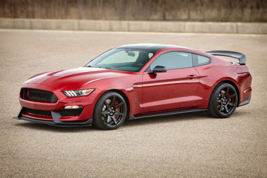 Specs For The 2017 Shelby Gt350 Mustang