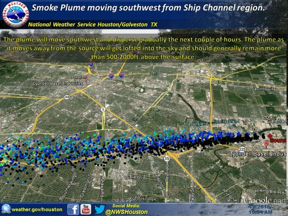 Smoke plume forecast for plant fire about 10 a.m. Friday in southeast Houston. The plume should gradually disperse as it spreads southwest over the 610 South corridor. Photo: National Weather Service Houston/Galveston