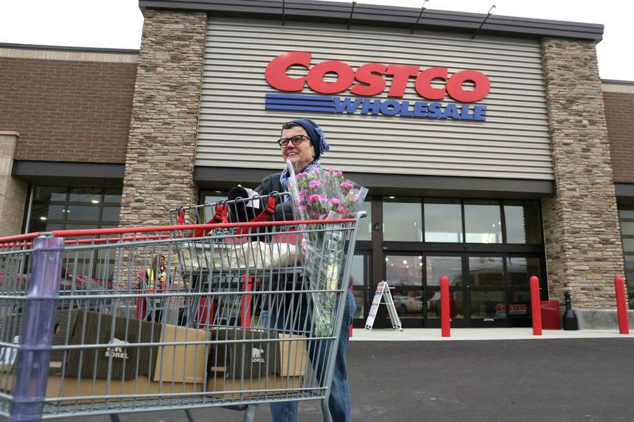 19 Insider Facts About Shopping At Costco Only Employees
