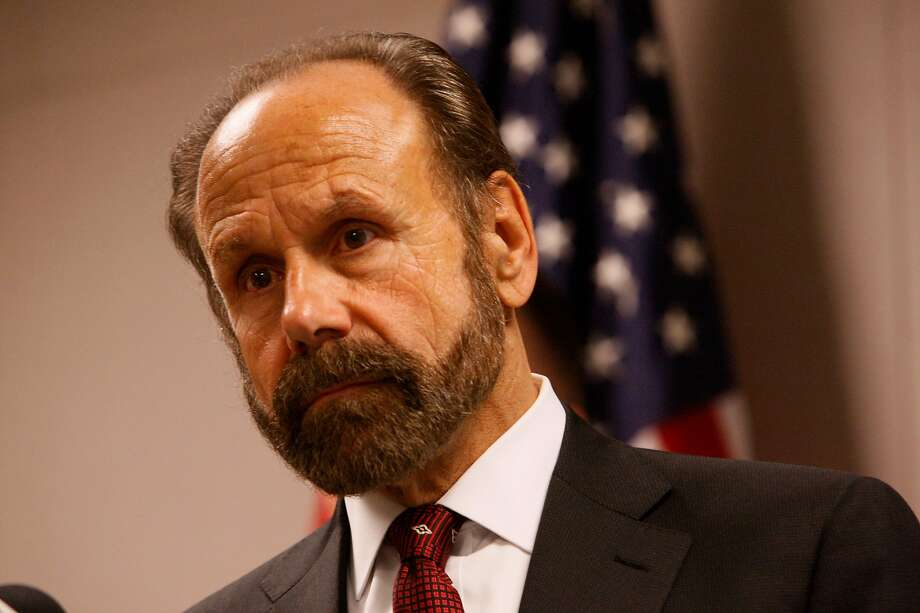 State Sen. Jerry Hill's measure SB1033 would require California doctors to notify their patients when the medical board puts them on probation for a serious offense. Photo: Terray Sylvester, The Chronicle