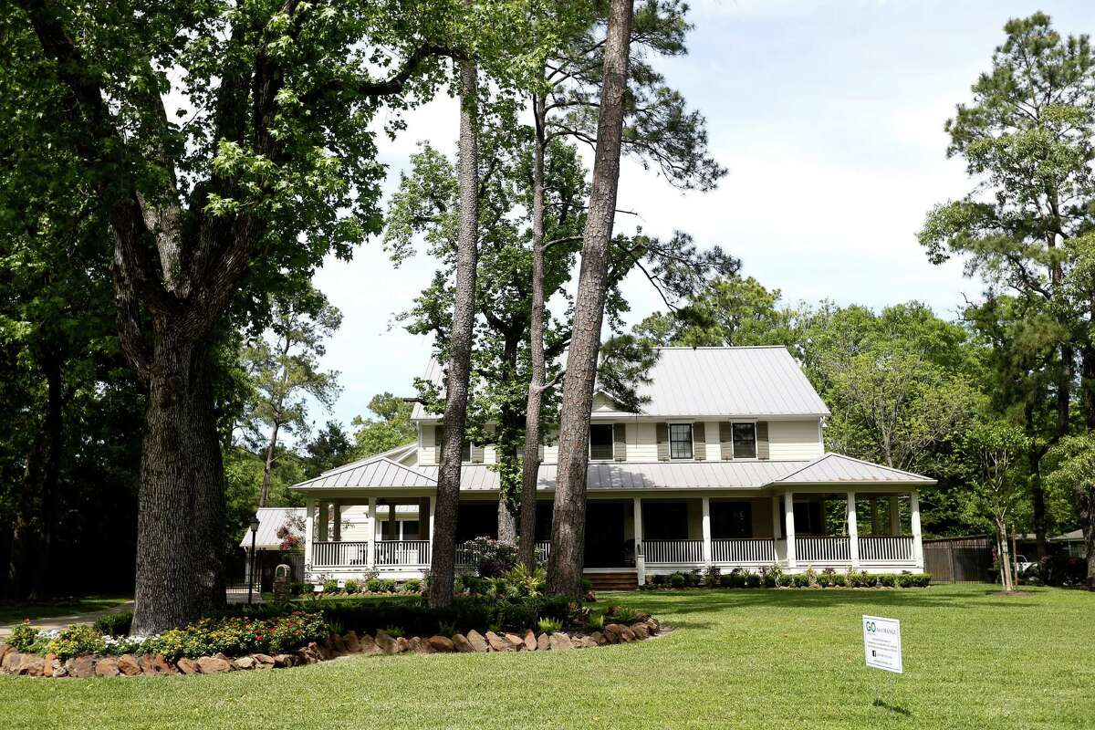 The judge in a court battle between the Garden Oaks Maintenance Organization and a family over a garage will now rule on whether the group has the power to enforce deed restrictions.