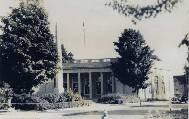 The United States Post Office on Greenwich Avenue is shown in this circa 1930 photo. Photo courtesy of the Greenwich Historical Society. Photo: Contributed Photo / Greenwich Time Contributed