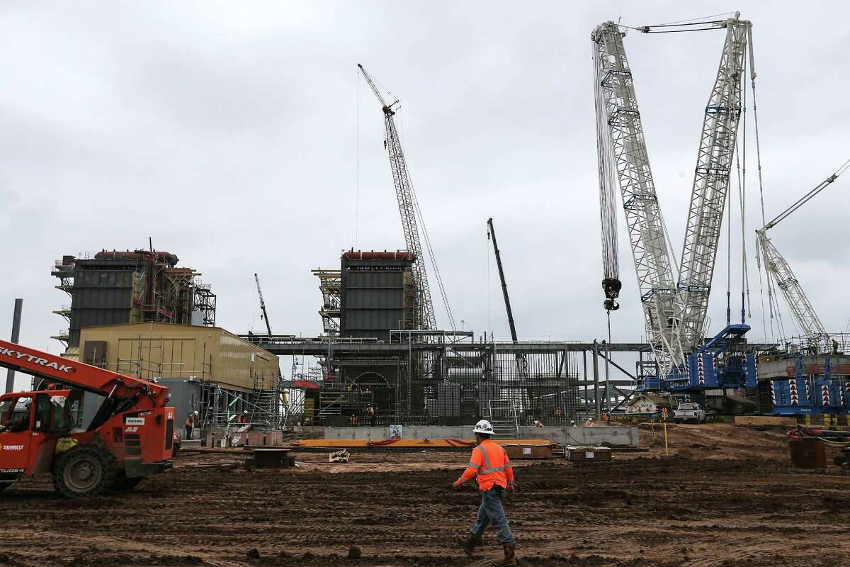 Workers on the construction site expanding Exelon Corporations's Colorado Bend Generating Station on Wednesday, March 16, 2016, in Wharton. ( Elizabeth Conley / Houston Chronicle )