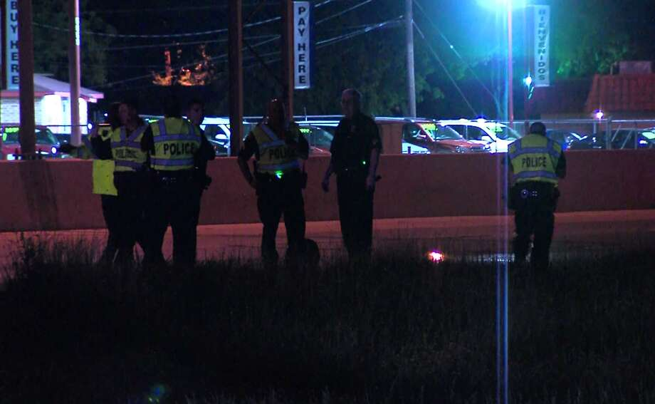 Woman Hit By A 18 Wheeler On I 35 While Fleeing Boyfriend