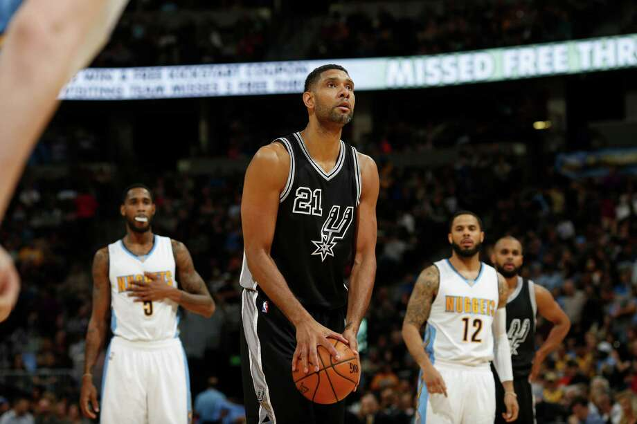 San Antonio Spurs center Tim Duncan (21) in the second half of an NBA basketball game Friday, April 8, 2016, in Denver. The Nuggets won 102-98. (AP Photo/David Zalubowski) Photo: David Zalubowski, STF / AP / AP