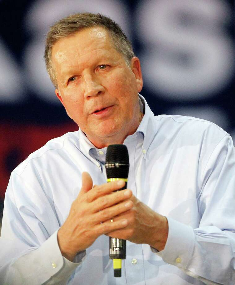 Republican presidential candidate, Ohio Gov. John Kasich speaks during a town hall meeting at the Henninger Athletic Center at Le Moyne College, Friday, April 8, 2016 in Syracuse, N.Y. (AP Photo/Nick Lisi) ORG XMIT: NYNL104 Photo: Nick Lisi / FR171024 AP