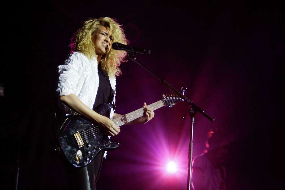 Tori Kelly performs at the Revention Music Center Sunday, April 10, 2016 in Houston. Photo: Michael Ciaglo, Houston Chronicle / © 2016  Houston Chronicle