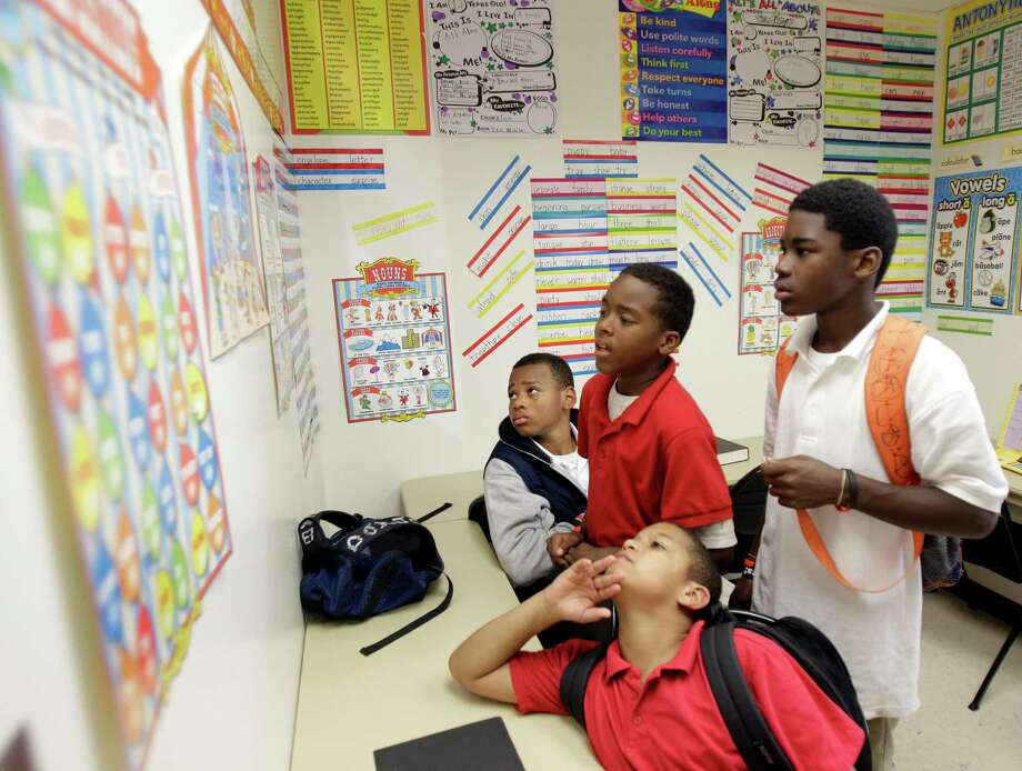 Students in schools with a poverty rate of 90 percent or higher have much different life chances than similar students in schools with lower poverty rates. Photo: Melissa Phillip, Staff / © 2011 Houston Chronicle