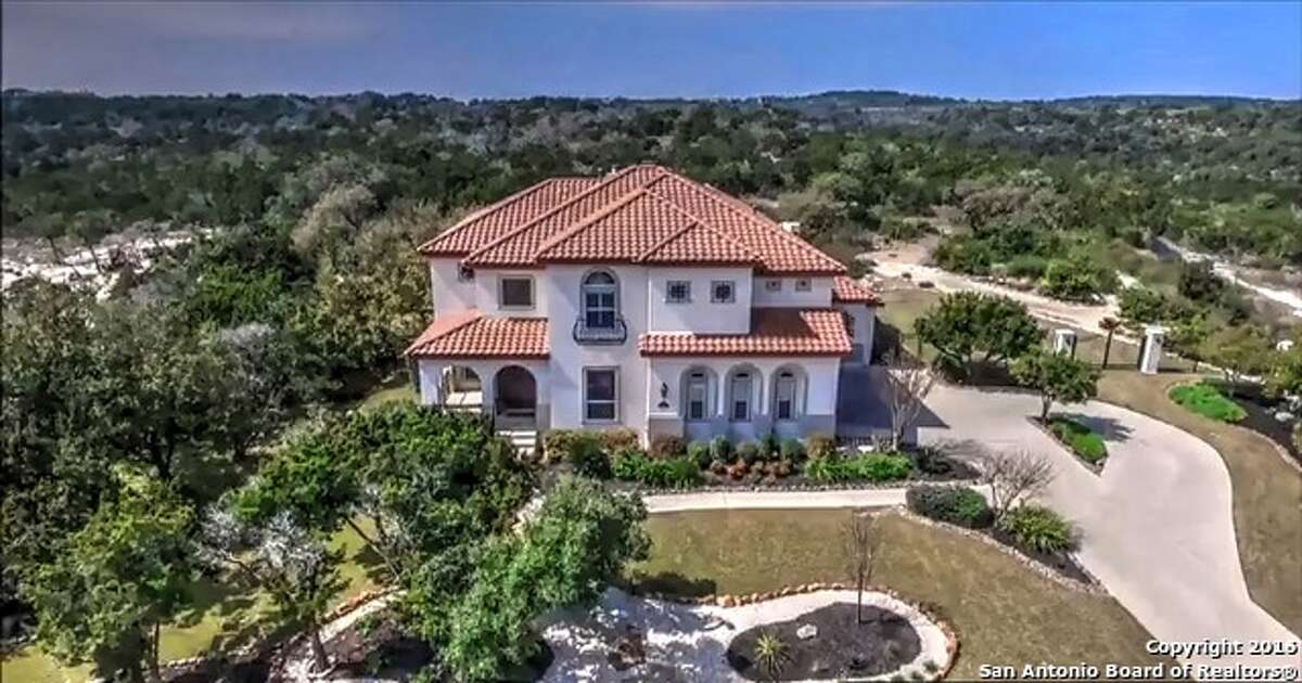 1. 323 Santa Domingo: $899,9006 bedrooms / 4.5 bathrooms / 4,819 square feetFeatures: Panoramic views, custom-built homes, gourmet kitchen with granite countertops, master suite with Jacuzzi tub, outdoor living space includes pergola, pool with waterfall and spa