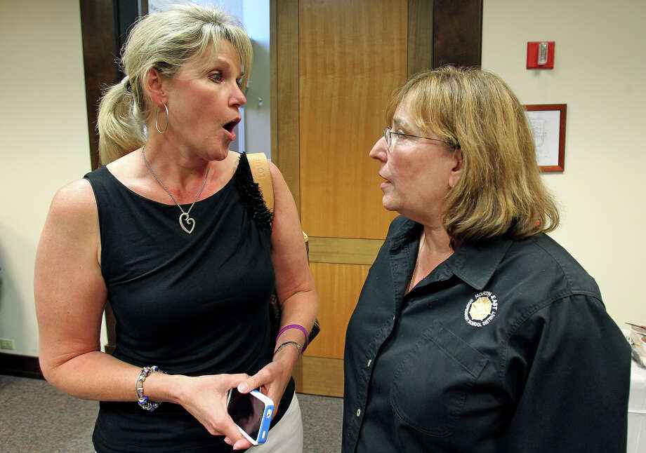 Shannon Grona, left, and Sandy Huey have earned re-election to the North East Independent School District board. Photo: TOM REEL /San Antonio Express-News / TREEL@/EXPRESS-NEWS.NET