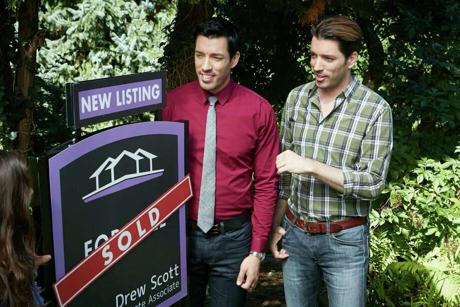 At Least One Scene Of Galveston Property Brothers Episode Was Reportedly Faked