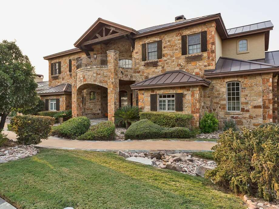 Major League Baseball legend Jeff Kent is selling his Central Texas home at 12006 Pleasant Panorma View, which overlooks Lake Austin, for $3.1 million. Photo: Courtesy,  Joni Langle