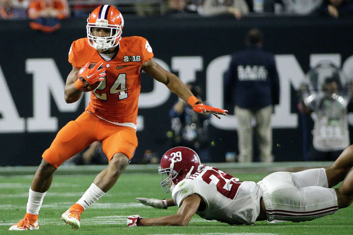 RB Zac Brooks, ClemsonVisited VMAC At Clemson's March 10 pro day, Brooks told reporters he planned to visit Seattle in April, and he did just that on April 13. A little-used reserve for most of his college career, Brooks has good size (6-foot, 199 pounds) and decent speed (running a 4.49-second 40-yard dash at pro day). The 23-year-old completed his degree requirements and will reportedly pursue a career in interior design if football doesn't work out.