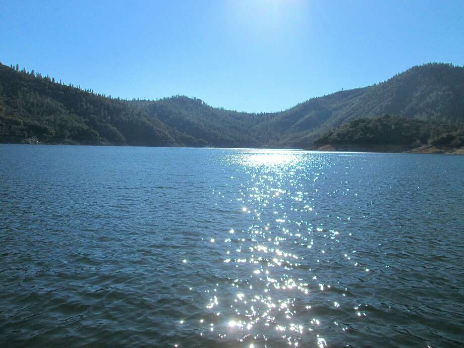 Lake Oroville, 28 percent full in December, hit 91 percent full this week and is shimmering in the afternoon sun with miles of fresh water. Photo: Tom Stienstra, Tom Stienstra / Special To The Chronicle