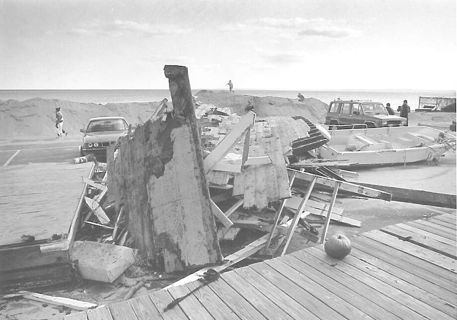 A pile of debris in a parking area at Greenwich Point on December 26, 1992, two weeks after the Downslope Nor'easter brought massive snowfall to the East Coast. Photo: Steve Daniel /