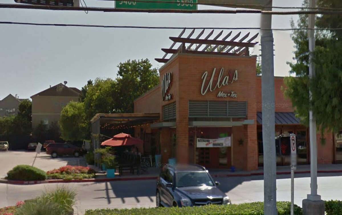 Ula's Mexican Restaurant & Cantina 5555 Washington Ave., Ste. A, Houston, Texas 77007 Demerits: 17 Inspection highlights: Moist cloths used for food spills on kitchenware / food-contact surfaces of equipment not stored in sanitizing solution between uses. Washing machine quarantined due to it not being able to maintain chlorine sanitizer concentration at 50-100 PPM.